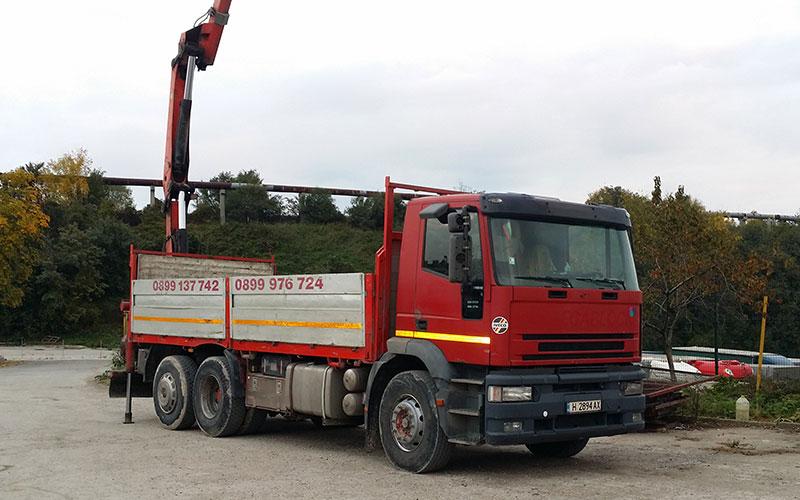 камион с кран шумен